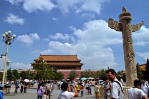Колонны Хуабяо на площади Тяньаньмэнь
